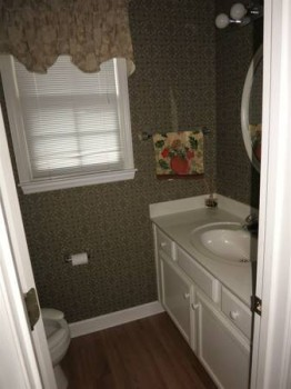 919 Michael Lee Way Bath2.jpg